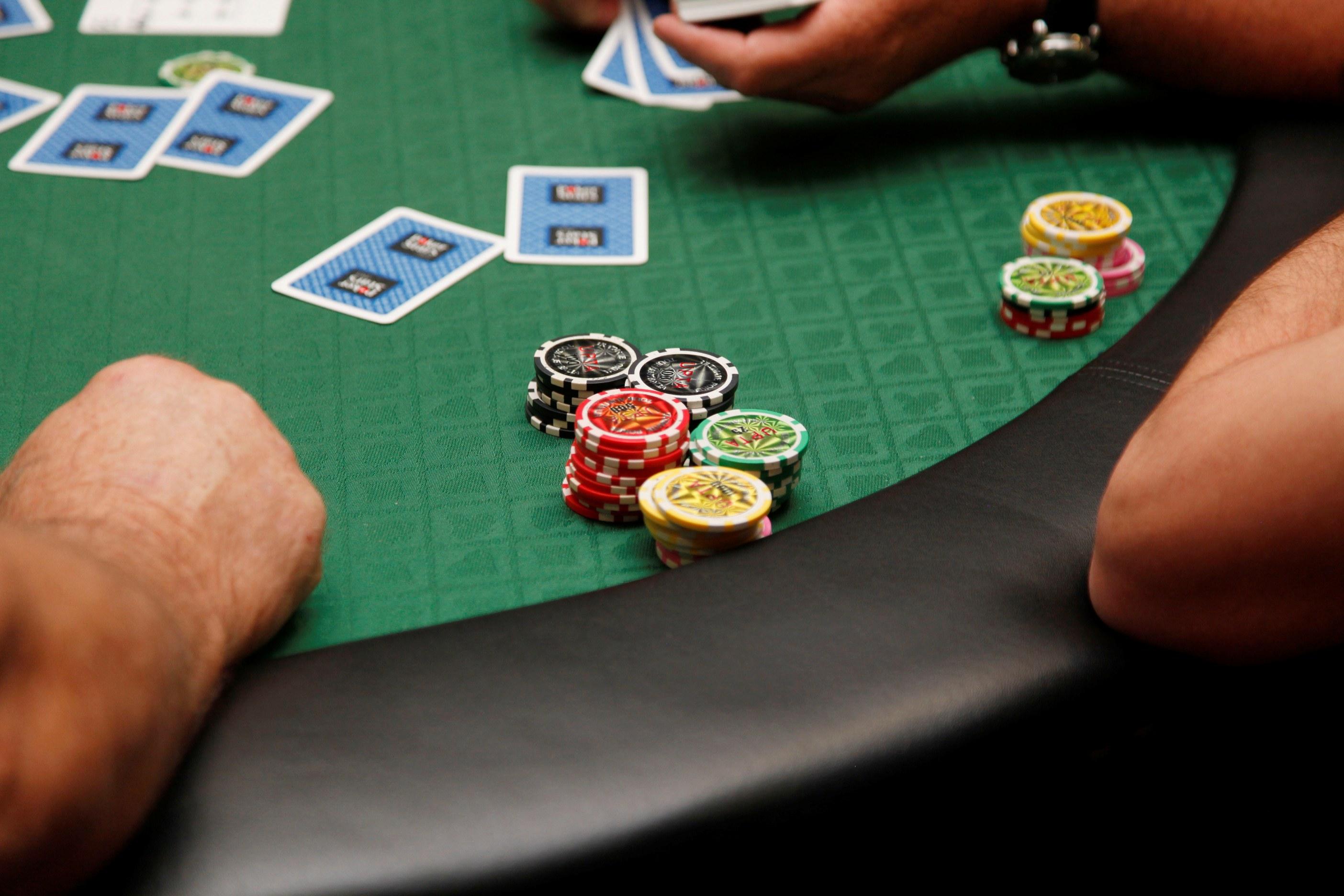 ігрові аўтаматычна покер онлайн